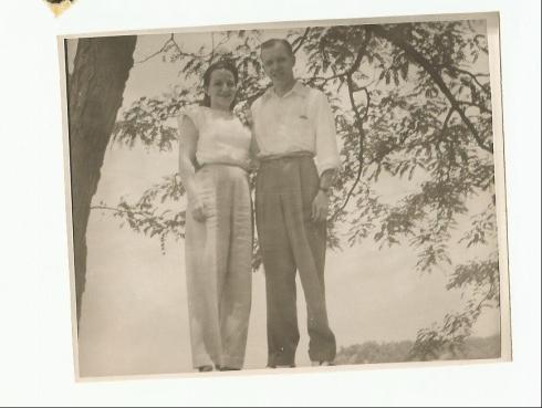 grandma-grandpa-honeymoon